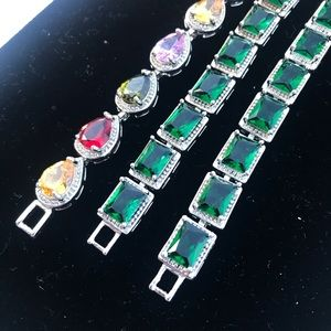 Emerald green bracelet